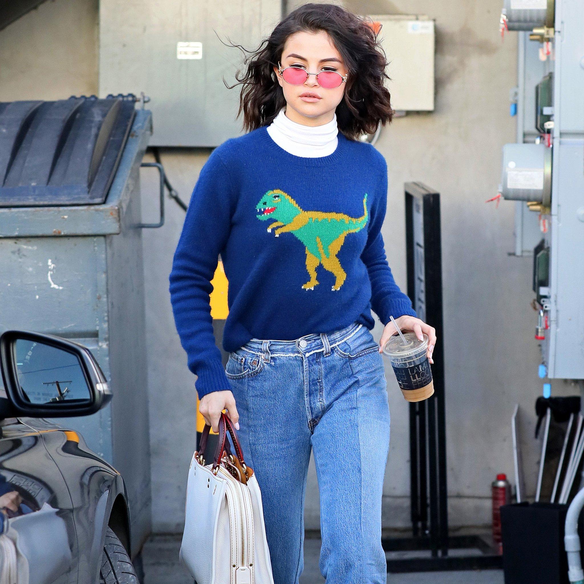 Selena-Gomez-Street-Style