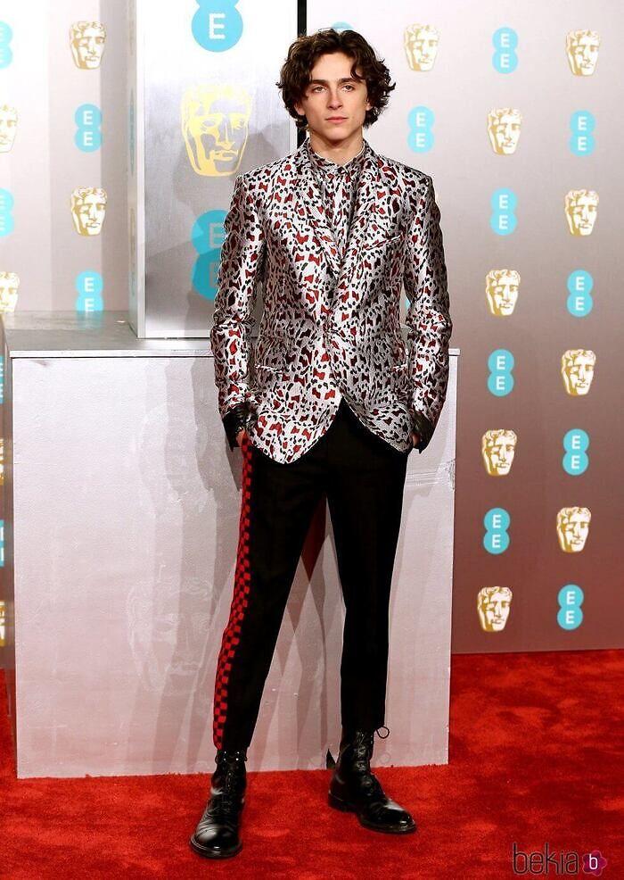 Look hombre alfombra roja