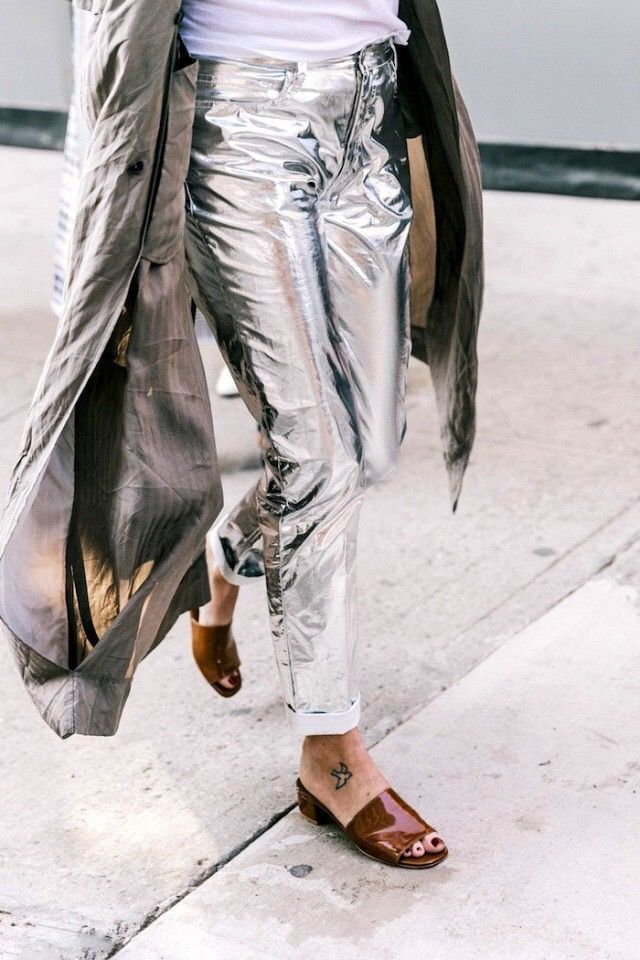 Pantalones metalizados