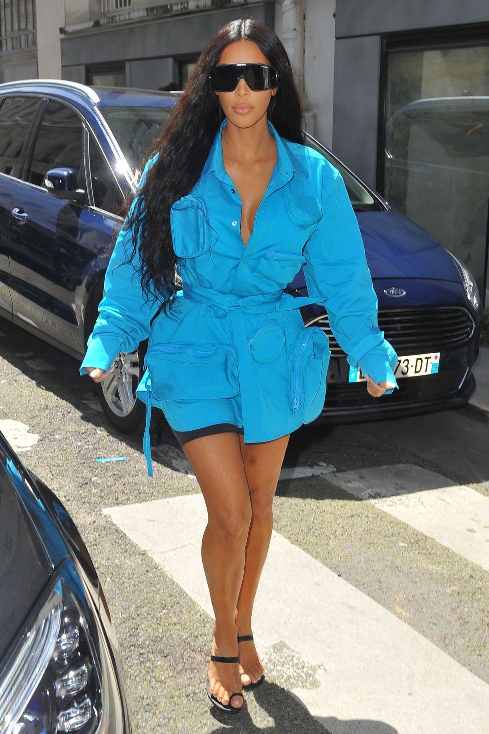 Look azul eléctrico